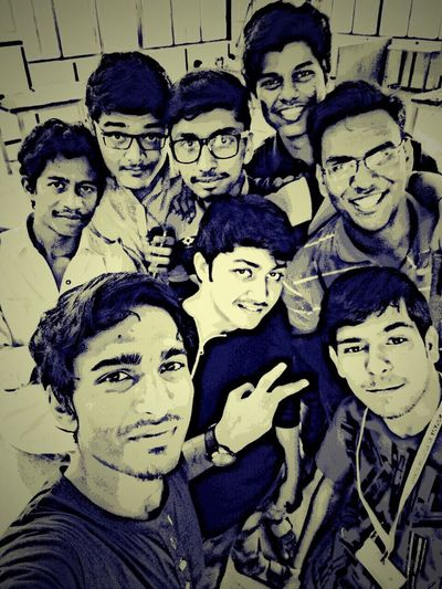 Me & my frends College Life Frends Moment EngineeringStudent Work Shop Fun! Beautiful Memories