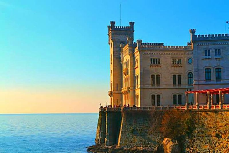 Castello di Miramare Trieste (Italy) Miramare Castle MIRAMAR  Miramare Castello Castle Castles Mareadriatico Sea Seaside Castle View  Trieste TriesteSocial Taking Photos Relaxing Hello World Landscape Landscape_photography Landscape_Collection Details Lovely Mediterranean  Italy Hello World Hi! Hanging Out