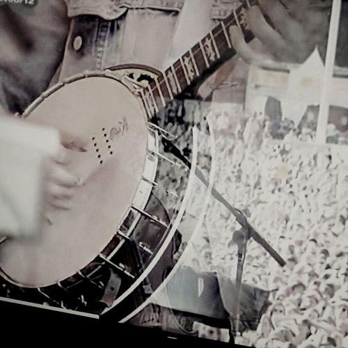 Banjo reina Mumfordandsons WinstonMarshall