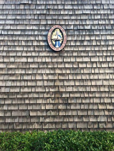 Wood Wall Madonna Bush Fassade Church Shingles