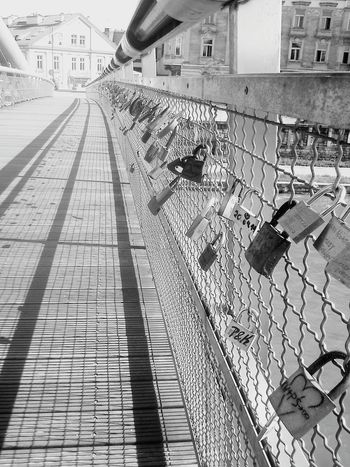 Krakow Cracow Poland Love Lovestory Bridge Padlock Padlocks History Urban City Check This Out Enjoying Life Friends Citylife End Love Is In The Air