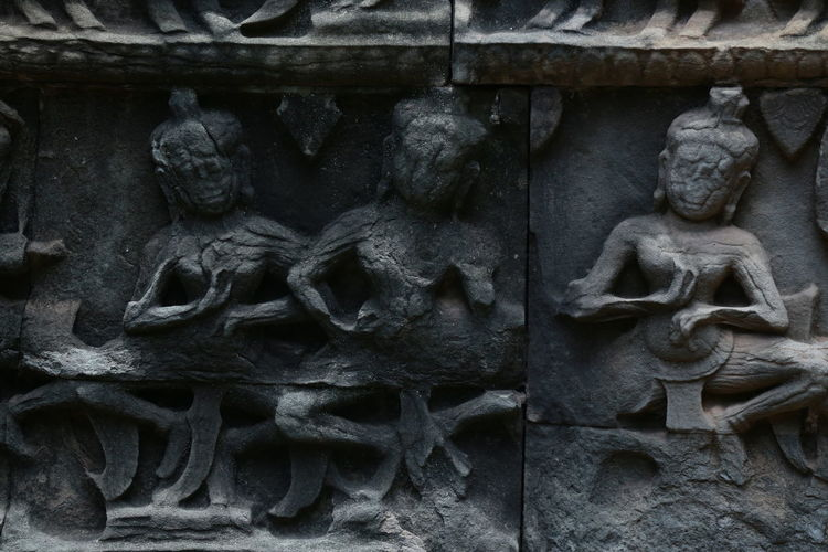 Art And Craft Sculpture Representation Craft Human Representation Creativity Architecture Carving - Craft Product No People Statue Religion Close-up Built Structure History The Past Male Likeness Spirituality Building Belief Day Carving Bas Relief Ornate