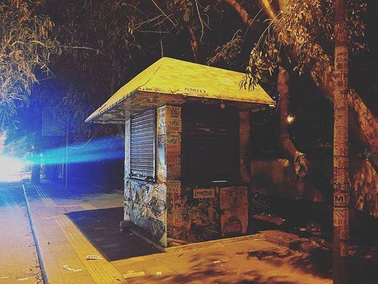 Of Lonely Nights! x Kiosk Nescafe Teastall Sodelhi DelhiGram Delhidiaries Facultyoflaw Night Wanderer Indiapictures Winteriscoming