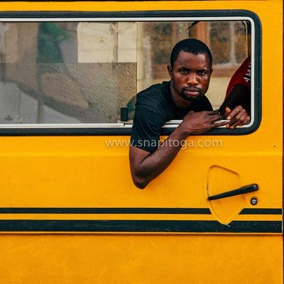 And it's Monday, have a great week hustling my friends! Lagos Nigeria Streetphotography Snapitoga danfo Africa naija instalagos