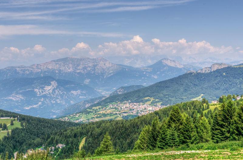 PANORAMA DA VAL CIMBRA Folgarida Panorama View Italy Montagna Natural Beauty Cielo Estate Alberi