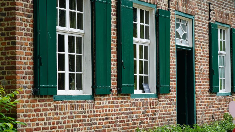EyeEm Selects Architecture Building Exterior Window Brick Wall Built Structure Outdoors Day Door No People Architecture EyeEm Gallery Countryside Architecture_collection Windows Façade Old Vintage House Building Architectural Design Daylight Outdoor Photography Old House