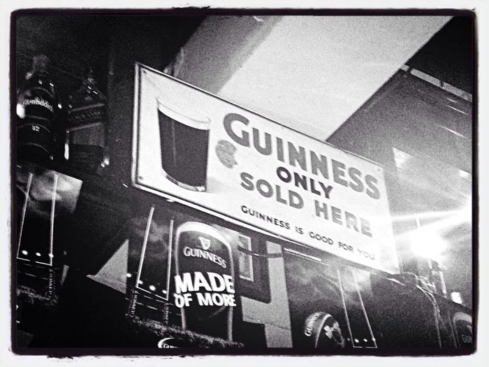 Une institution. Night Out Beer Dublin, Ireland Guinness