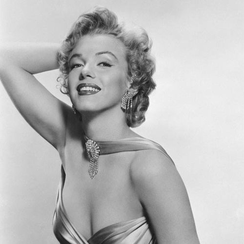 Marylin Monroe Feminity Hollywood Icon Beauty Actress Glamour Elégance Cinema ❤️