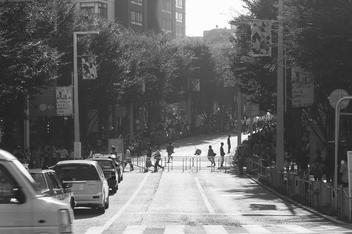 Everybodystreet Shades Of Grey Streetphoto_bw Silhouette Light And Shadow Bnw Summer Views Monochrome Collected Community Urban Lifestyle Stories From The City