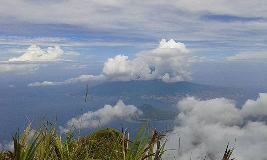 Puncak tidore Exploreindonesia Enjoyindonesia Lingkarindonesia Gunungtidore Exploremalut Idpendaki Jalan2mas