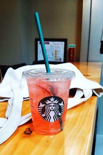 Starbucks Fizzio Onthetable Nothingisordinary Colors Lifeisgood Lifeinshots Snapshot LifeInColor