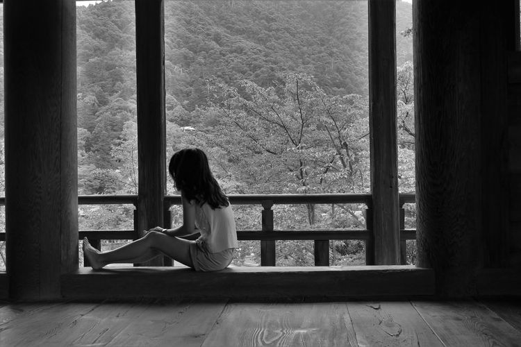 Temple Japan ASIA Alone Black And White Blackandwhite Quiet Moments Resting Simplicity Woman Wood - Material The Portraitist - 2018 EyeEm Awards Wooden Loneliness Pensive Thinking Depression