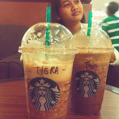 Humbanbelakang, hashtag kemarin bhaa niii. TIERA Starbucks Centrepoint K .Kinabalu
