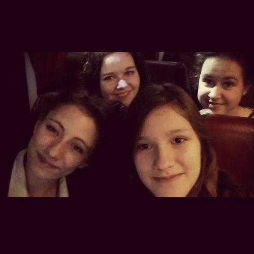 Auf auf 😍🗼 Paris Freuen Friends Busfahrt fünfzehnStunden travel nachtsumvier
