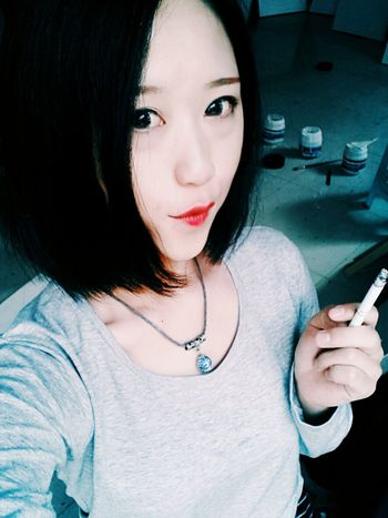 Smoking Girls Drawing ✏ Beautiful Girl Bigsmile Beautiful ♥ Cute Girl Loving Life! Taking Photos Fashionshow That's Me
