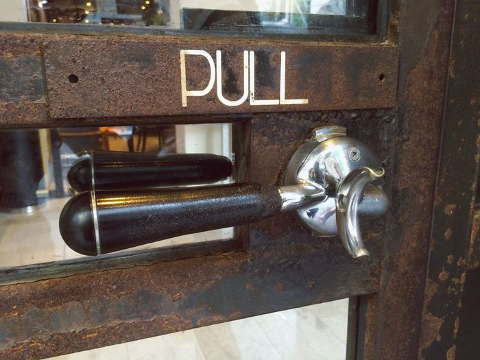 Door Handle Streetphotography Street Photography Creativity Creative Check This Out Snapshots Of Life Restaurant Art