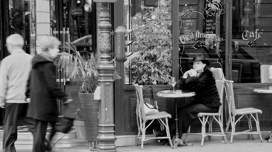 France 🇫🇷 Paris ❤ Travel Photography Cityscapes City Street Black&white Coffee Time Be In A Daze 法国 巴黎 街景 发呆 The Architect - 2016 EyeEm Awards
