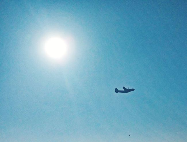 Transall take off Blue Flying Sky Airplane Silhouette Aircraft Airport Plane Frenchairforce AirForce ♥ Aeroport Avion Armeedelair Transall C160 Clear Sky Sun