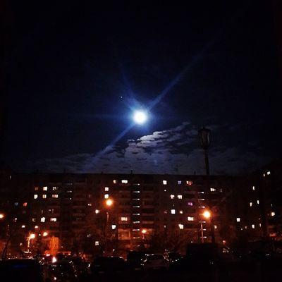 вчерашняя удивительная луна ????