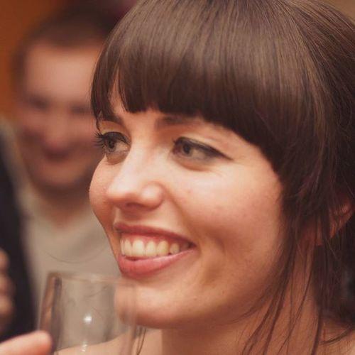 Anna. Birthday Gorgeoussmile Womansmiling Fringe Fringehaircut Fringeshots Beauty Portrait
