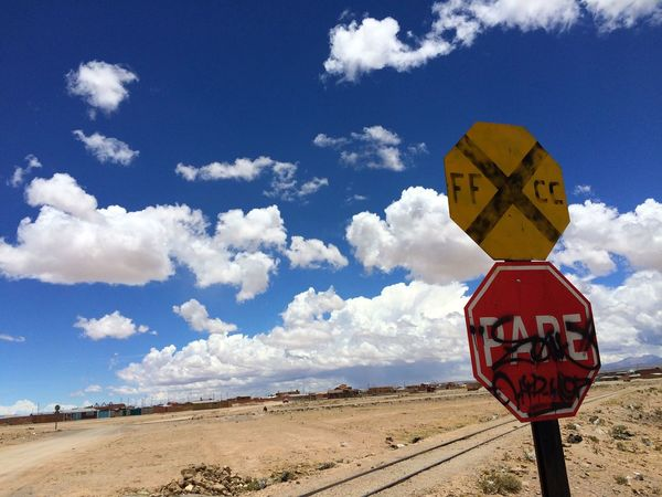 Sky Uyuni Bolivia Sighn 世界一周
