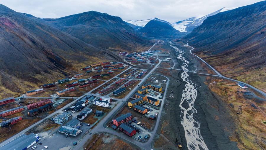 Scenic view of longyearbyen