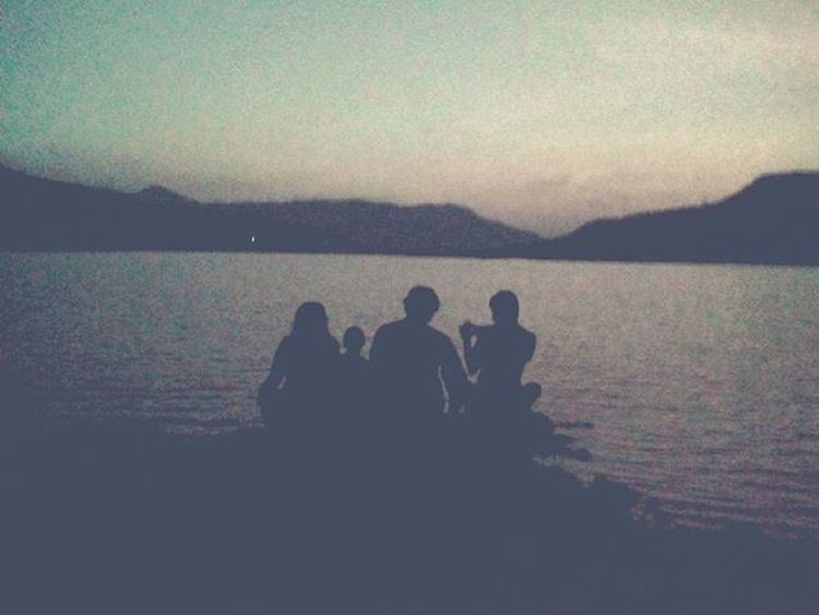 Four friend's Sunset Lake Lakecity Friends Friendship Mobilephotography JD JDphotography