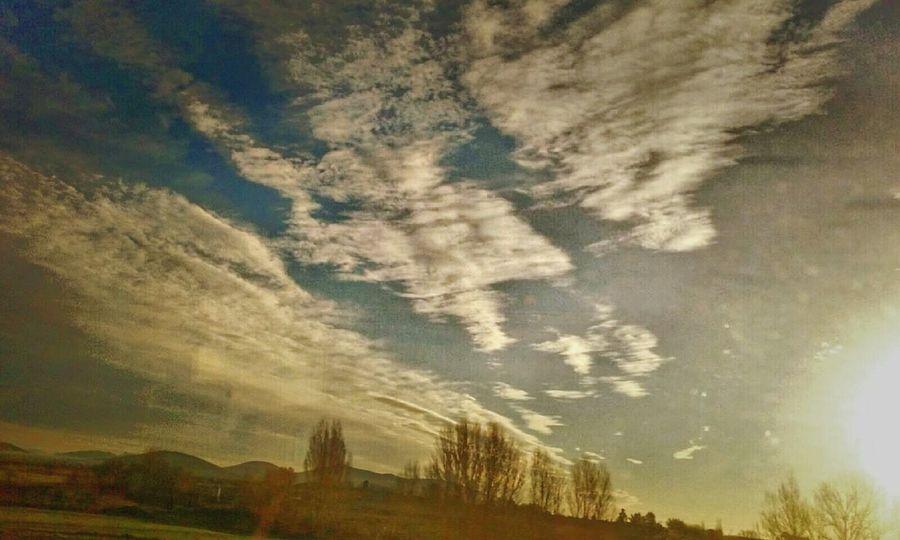 Sky_collection Clouds And Sky Paisaje Natural Desde El Tren Castillayleon