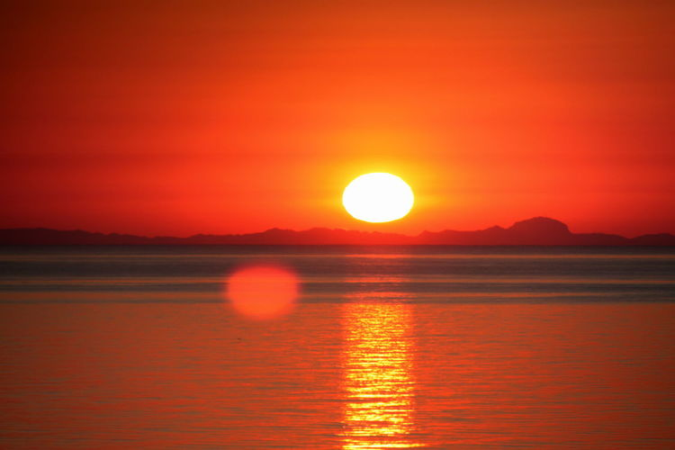 Red-hot Horizon Over Water Sunset Reflektion Reflection On Water fantastic sun reflection Blood-red-sky Fantastic Sun Reflection In The Sea