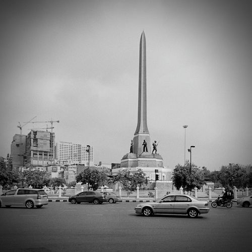 ก า ร เ ดิ น ท า ง Victory Monument Bangkok Thailand
