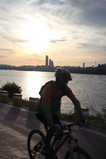 Hangang river, Seoul Bicycle City No Touch No Filter Seoul Cityscape Hangang River Hangang Park Sunlight River Riding