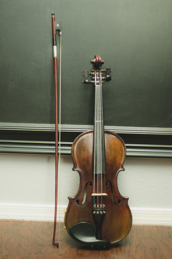 Arts Culture And Entertainment Bow - Musical Equipment Classical Music Indoors  Music Musical Equipment Musical Instrument Musical Instrument String No People Violin