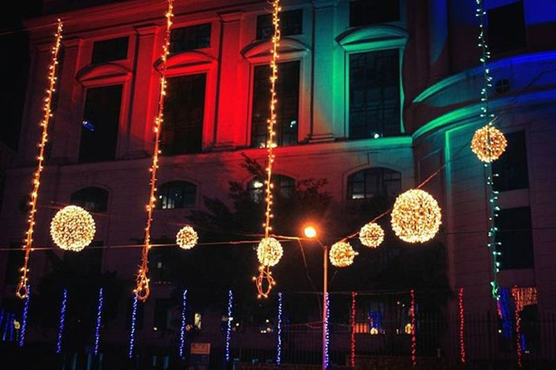 This is how Powai illuminates with WinterlightsAtHiranandani by @hiranandanidevelopers