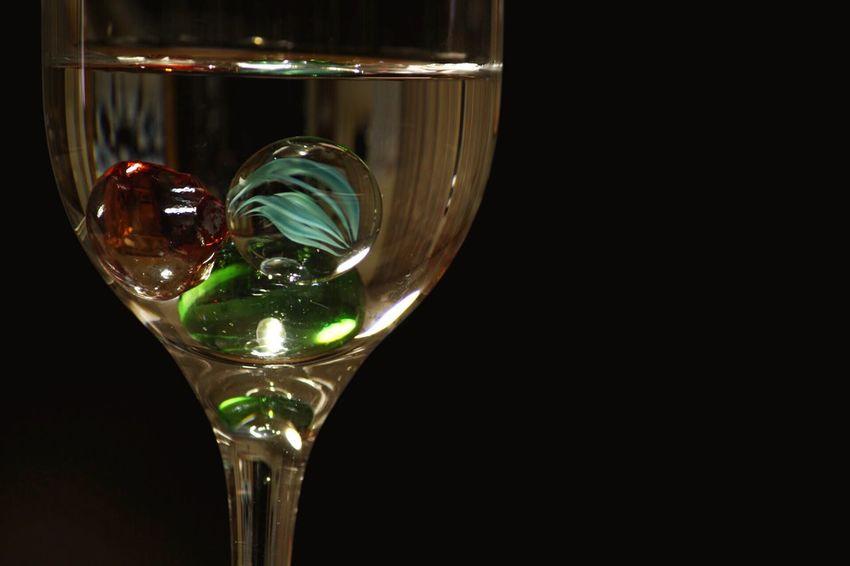 グラスの中に夜景を見立てる Night View キラキラ Glass ビー玉倶楽部 ビー玉 今日もお疲れ様でした✨☺️今撮ってみましたー☺️❤️どうかなー☺️