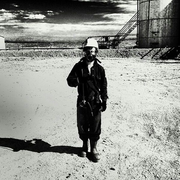 Oilfield H2S Black & White Working