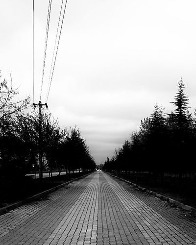 Anlık bir fotoğraf ☺Edirne Turkey Trakya University Today Now Nice Black White Samsung S4