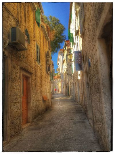 Architecture Built Structure Street Old Town Outdoors Showcase October Walking Around Sightseeing Old Old Buildings Old Town Old House House Split Croatia