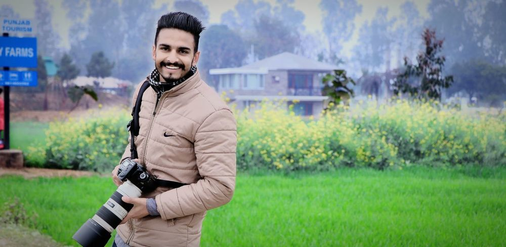 Pic Click On Pre Wedding Shoot Day Smile❤ Nature Green Outdoor Photography City Beauty