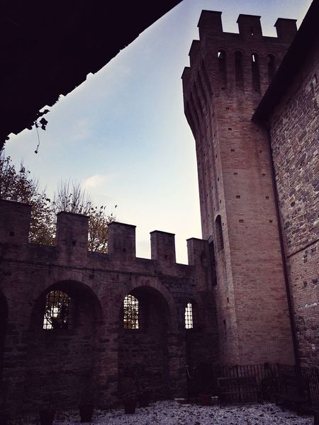 Lands of Popes, artists and ghosts. 😎 Showcase: November Ghost Architecture Medieval Historical Building Marchetouring