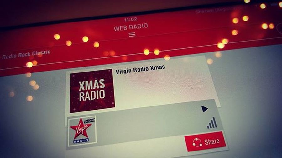 "Let's start with xmas songs 😊😍😍😍 ""let it snow, let it snow, let it snow"" ❄❄🎵🎶🎵🎶 ❄❄❄ Virginradio Virginradioitalia XmasIsComing Xmasradio Xmasradiotimes ChristmasIsComing Christmasradio Christmasmusic Virginradioxmas Webradio Natalestaarrivando Canzonidinatale Xmaslights"