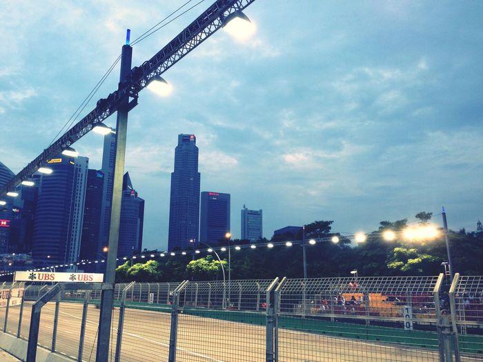 Chasing gentlemen Singaporegp F1