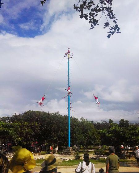 Voladores De Papantla Cancun