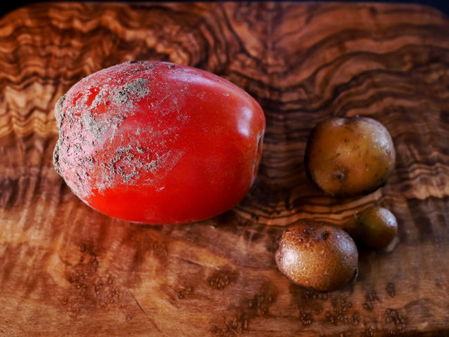 Brown Close-up Focus On Foreground Food Food And Drink Freshness Fruit Healthy Eating High Angle View Indoors  Mushroom No People Raw Food Red Still Life Table Tomato Tomatoes Topsoil Vegetable Wellbeing Wood - Material