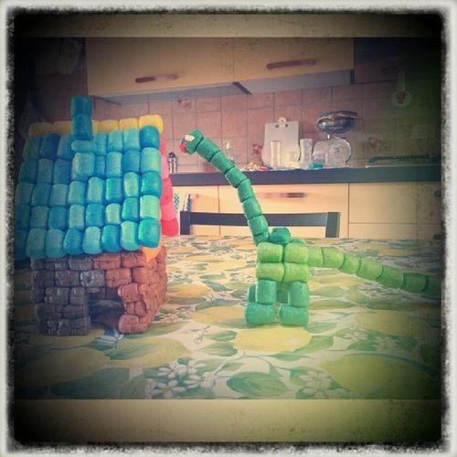 Playcorn house and dinosaurus