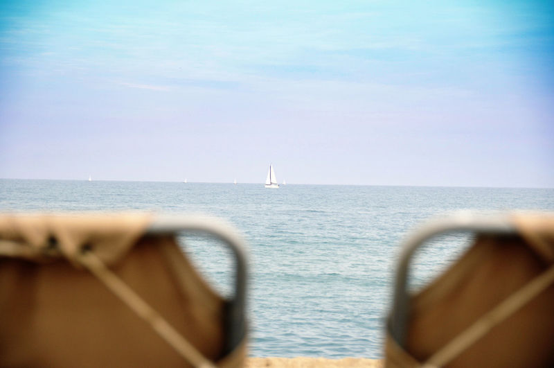 Strand Urlaub Liegestuhl Erholung Relaxing Weite Meer Sea Water Horizon Over Water Horizon Nautical Vessel Sky Transportation Mode Of Transportation Scenics - Nature Beauty In Nature Focus On Background Nature No People Tranquil Scene Day Tranquility Sailboat Sailing Travel Outdoors Passenger Craft Yacht