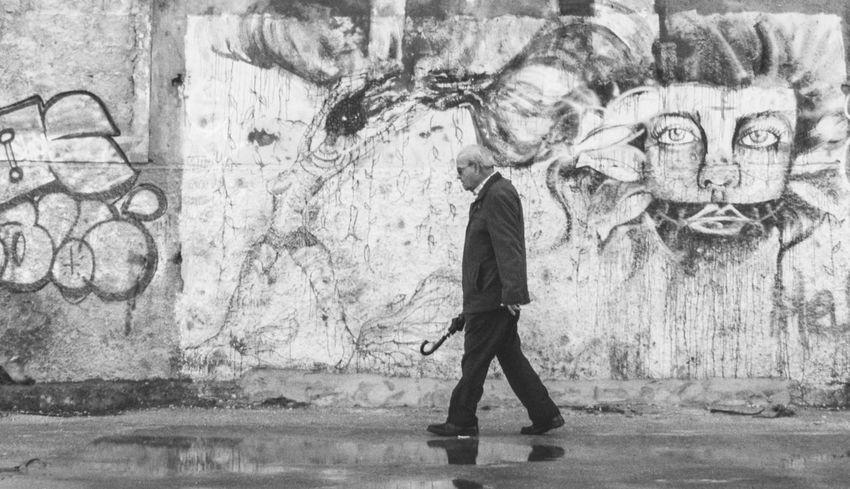 Rainy days !! Urbanphotography Streetphoto_bw Blackandwhite Photography Mobilephotography Capture The Moment Eyemphotography Street Style Street Art/Graffiti Street Art Streetphotography_bw Blackandwhitephotography Blackandwhite Black And White Black & White Black&white Black And White Photography EyeEm Best Shots - Black + White Urban Photography The Street Photographer - 2016 EyeEm Awards Streetphotography Streetart Street Photography Streetphoto Black And White Collection  EyeEm Best Shots