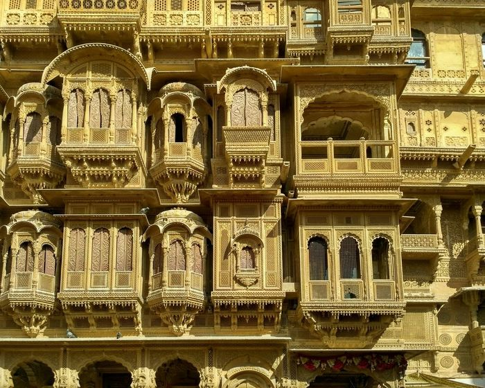 Royalty in stone Full Frame Built Structure Architecture No People Backgrounds History Architecture And Art Jaisalmer Rajasthan Traveling The Week On EyeEem EyeEm Gallery Indian Stories Mobile Photography Eyeem Galery Eyeemphoto Taking Photos Travel Destinations Architecture Tourism Pattern, Texture, Shape And Form Neighborhood Map The Architect - 2017 EyeEm Awards An Eye For Travel