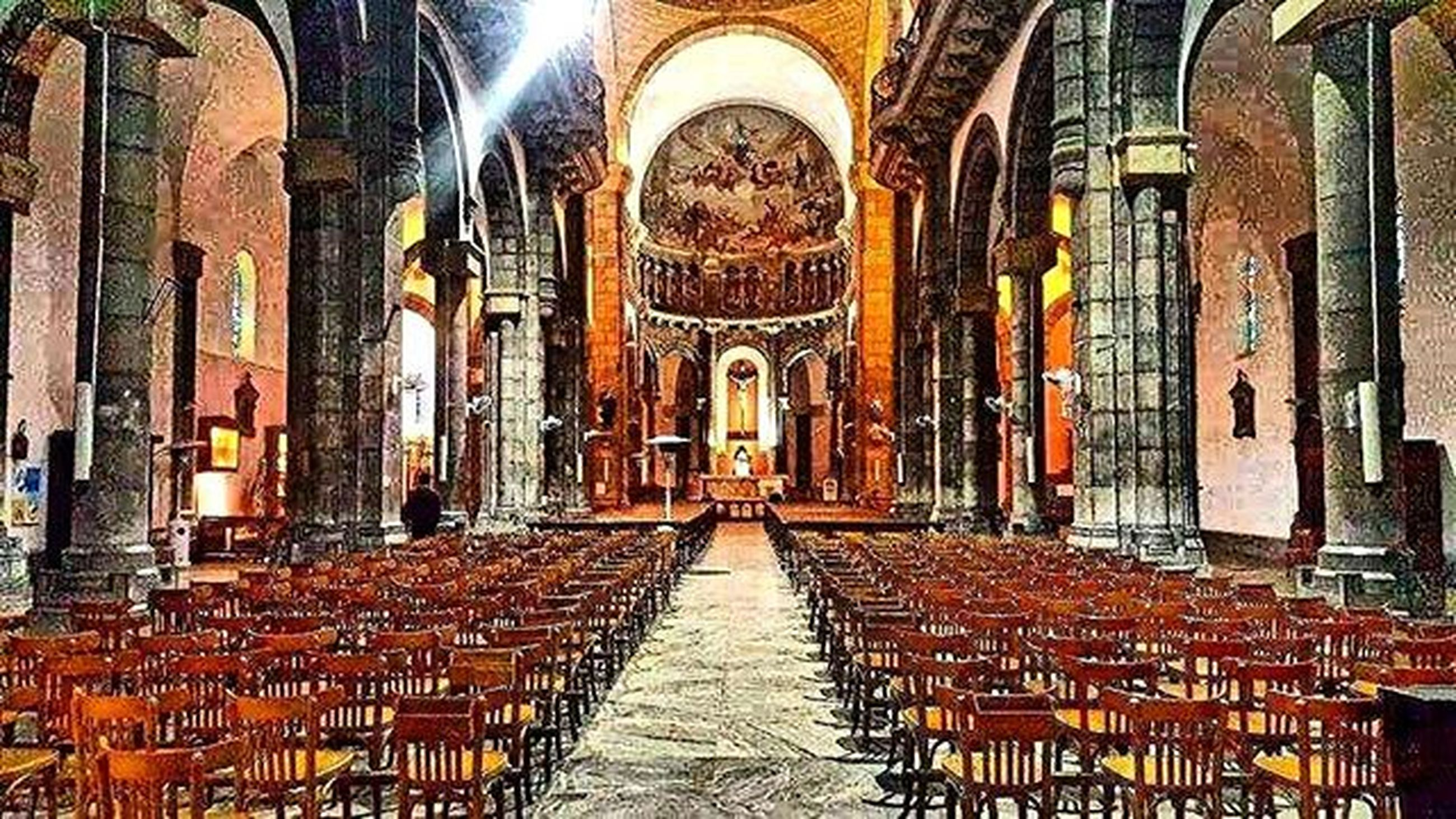 architecture, built structure, building exterior, the way forward, arch, place of worship, religion, diminishing perspective, spirituality, in a row, indoors, empty, church, building, old, history, cobblestone, day, no people