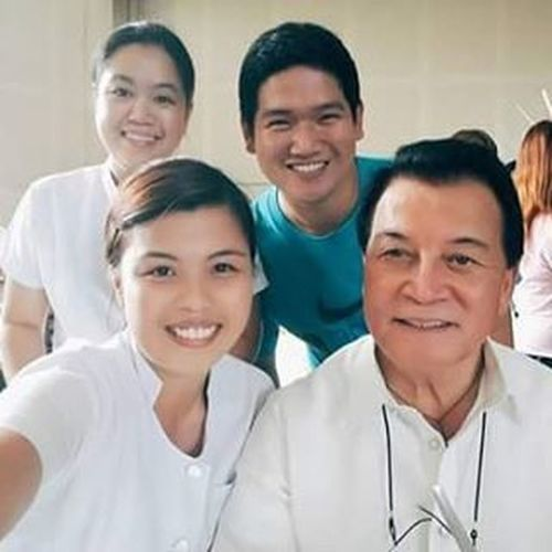Di kami umabot sa picture taking kaya nki selfie nlng kmi EmployeesDayOut WithGov (Photo Credit : @coffeegela )
