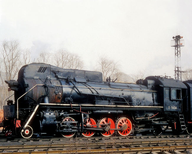 Chinese JS class steam locomotive (2-8-2) in northern China 2-8- China Engine JS Class Locomotive Steaks